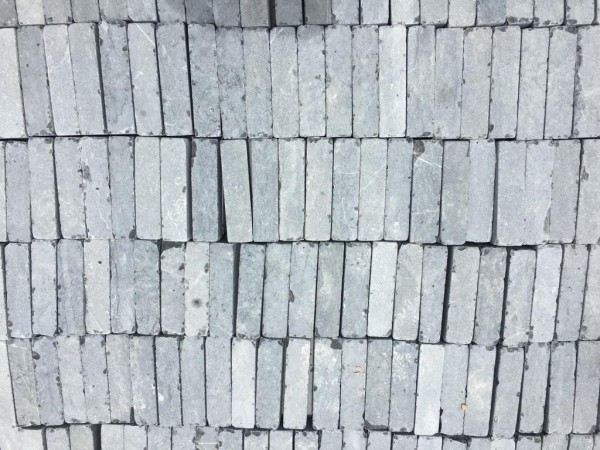 ALS Tumbled Blue Limestone Setts