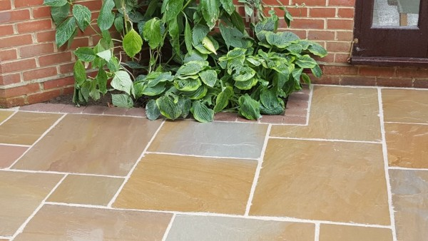 Buff Sandstone Riven Paving, Circle & Steps