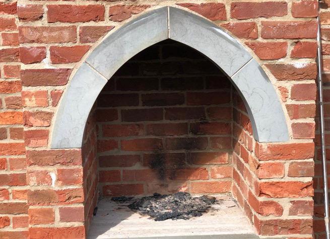 yorkstone trimmed brick built pizza oven