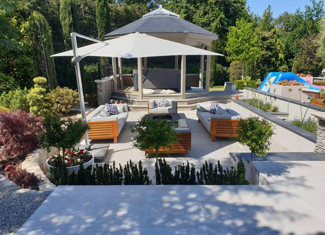 sunken garden with outdoor furniture